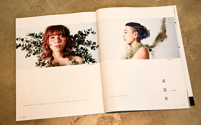 右が佐藤さんの作品、左がオーナーの加藤龍矢さんの作品