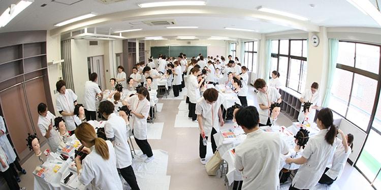視野が広がる美容科の授業! 埼玉県美容理容専門学校
