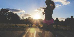 立ち仕事を乗り切るための簡単にできる体幹トレーニング