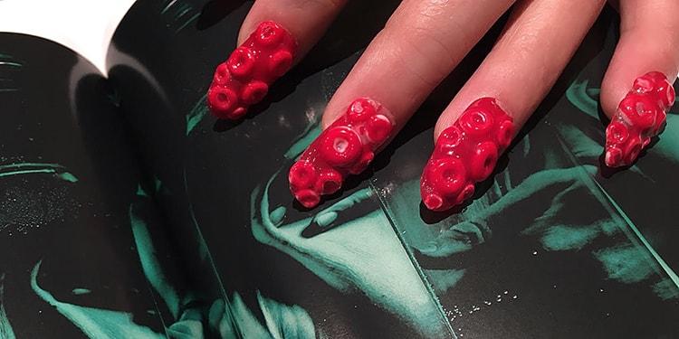 計算ではなくインスピレーションを感じ自由に作る『S'pluMe nail atelier』