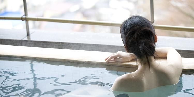 温泉でツルすべ肌に!美肌になる温泉スポット3選