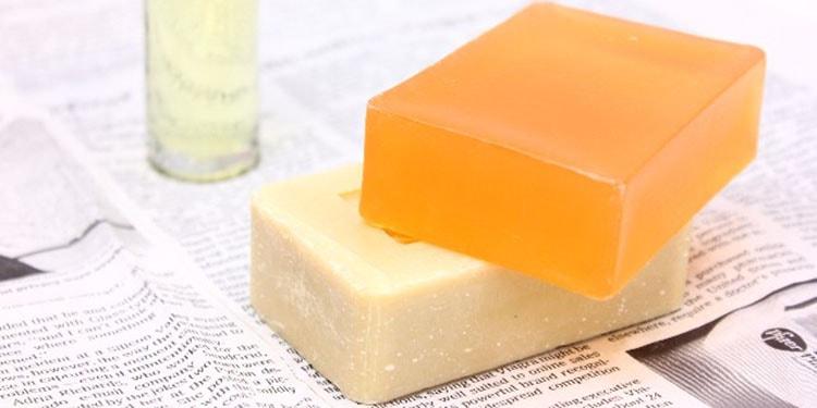 タイトル 美肌作りは洗顔から!優しい石鹸選びから始まる顔の正しい洗い方