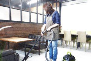 パワフルな業務用掃除機でお店をクリーンに!『ミナト電機工業』
