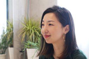 浅見亜紀 interview #1:型にはまらない、女性をきれいにする仕事を