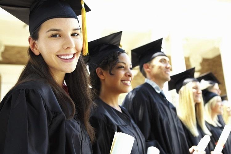 セラピストの勉強は専門学校で学べる? 目指す資格を決めて自分に合った学校を選ぼう!