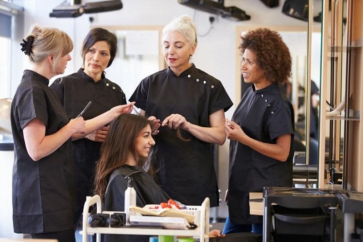 美容師の通信制度とはどのようなもの? 美容学校の通信制度についてお伝えします