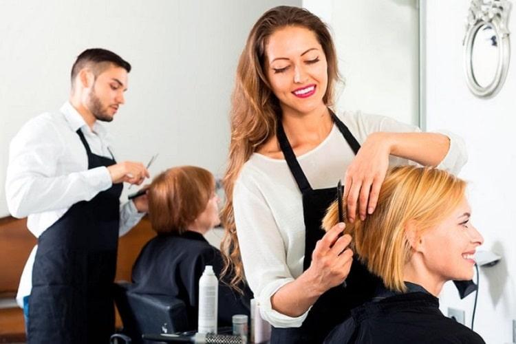 美容師も派遣で働ける? 派遣美容師のメリット・デメリットについて解説します