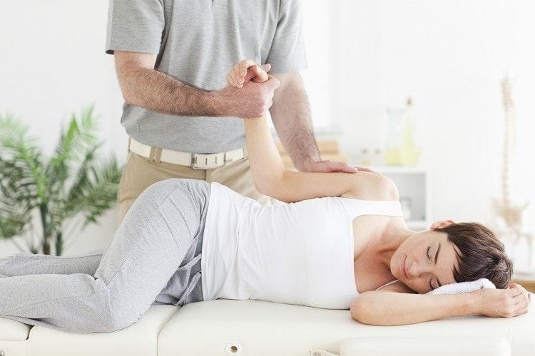 柔道整復師には夜間に学べるところもあります 夜間で通うメリット・デメリット、注意するポイントについてお伝えします