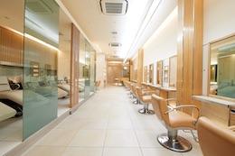 GINZA_PEEK-A-BOO_salon.jpg