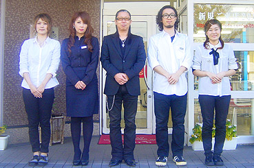 松本 豊和さんとスタッフ